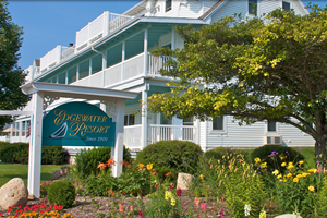 dog friendly hotel in Door County